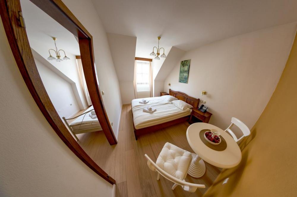 HOTEL IN RESTAVRACIJA SPLAVAR, BREŽICE 24