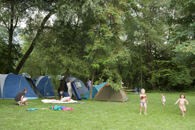 Kamp Labrca družine na potepu